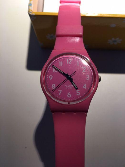 71c47de0cdc Relógio Swatch cor de rosa