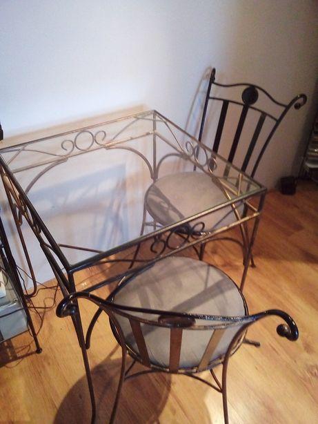 metaloplastyka stół i krzesła