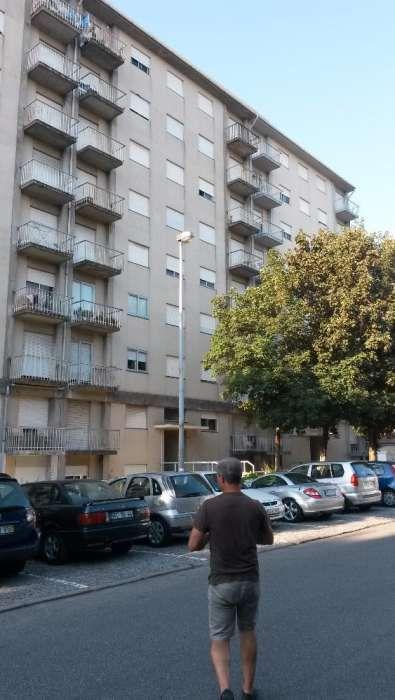 Aluga-se quarto em Junho junto á universidade do Minho em Guimarães