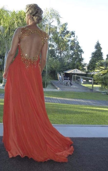 Micaela Oliveira vestido