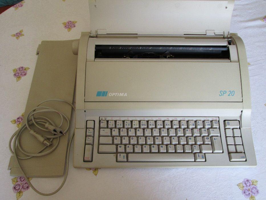 Maquina de escrever eletrica Aldeia Galega Da Merceana E Aldeia Gavinha - imagem 1
