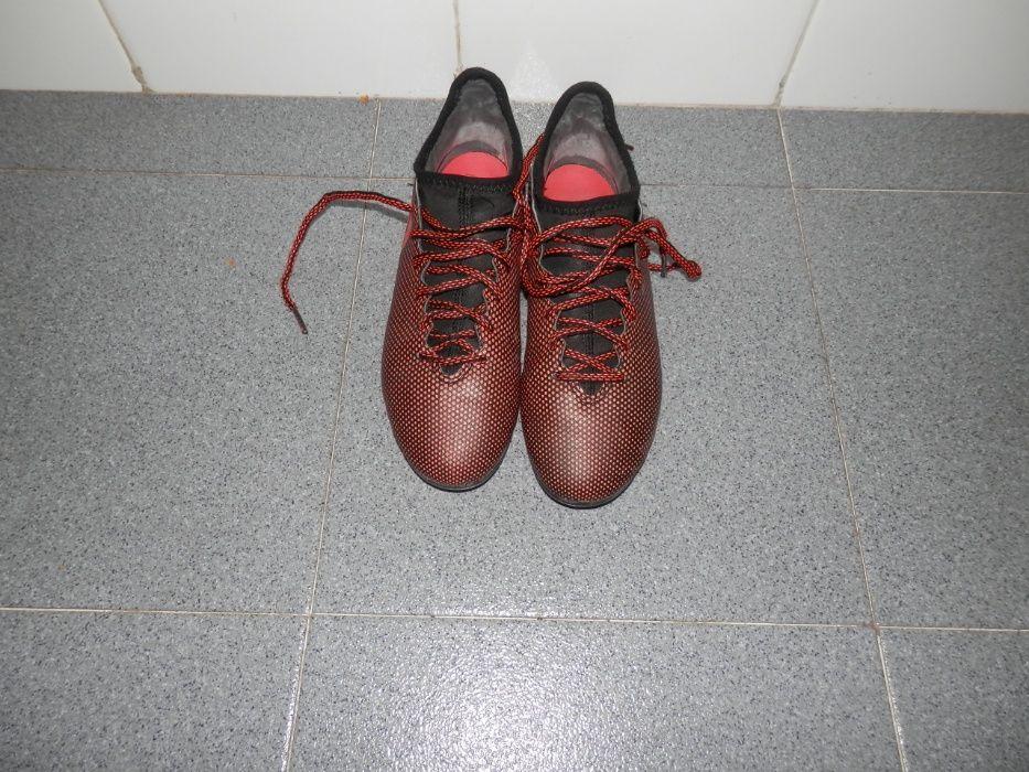 125afeffd0 Adidas Chuteiras - Futsal e Futebol - OLX Portugal - página 9