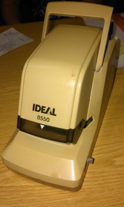 Vende-se Agrafador ideal 8550