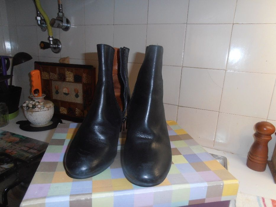 a58628f66 Botins Elegantes - Carnide - Botins pretos - em pele - nr 38 - muito  elegantes