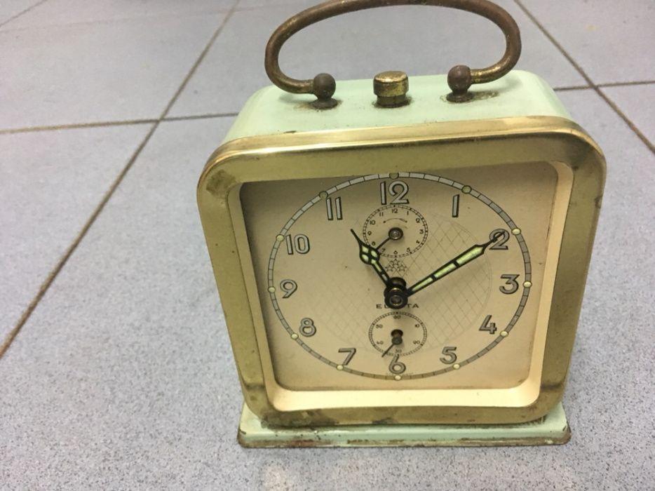 886631f07e5 Relógio Vintage a corda Eletta - Santo António