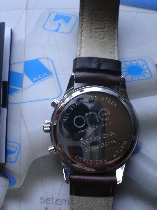 88dfbfa3b16 Desconto Unico Novo Preço Relógio marca One novo em caixa Vila Nova De  Famalicão E Calendário