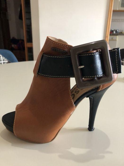 Sapatos da marca missanga todos em pele Aldoar, Foz Do