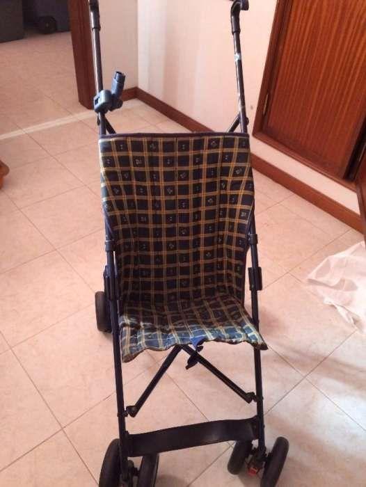 Cadeira de passeio para criança