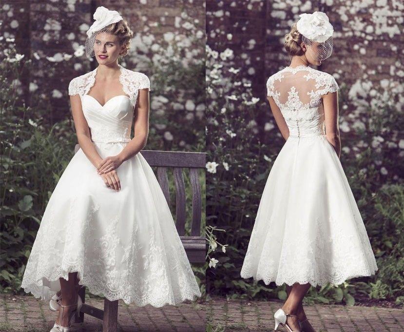 Um modelo de vestido de noiva com bolinhas! Ficou retrô, com