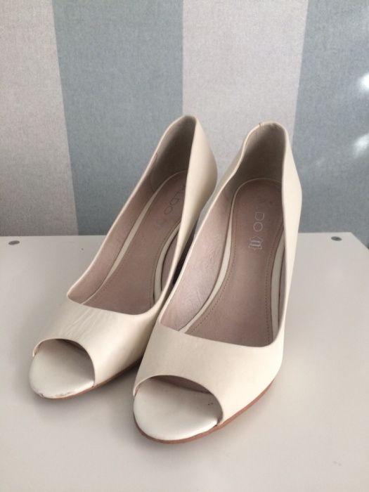 ALDO sapatos cunha brancos tam. 40 usados em bom estado