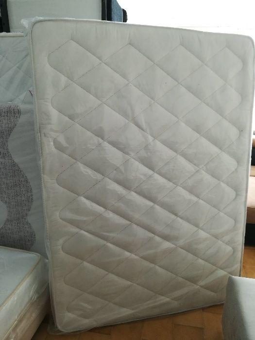 Colchão de molas novo de fábrica 183 cm x 133 cm