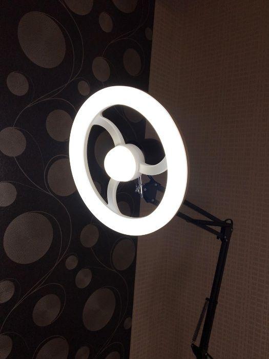 Лампа кольцевая Led напольная на штативе для косметолога,визажиста.
