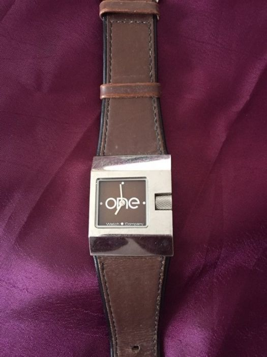 997e997f326 Relógio One