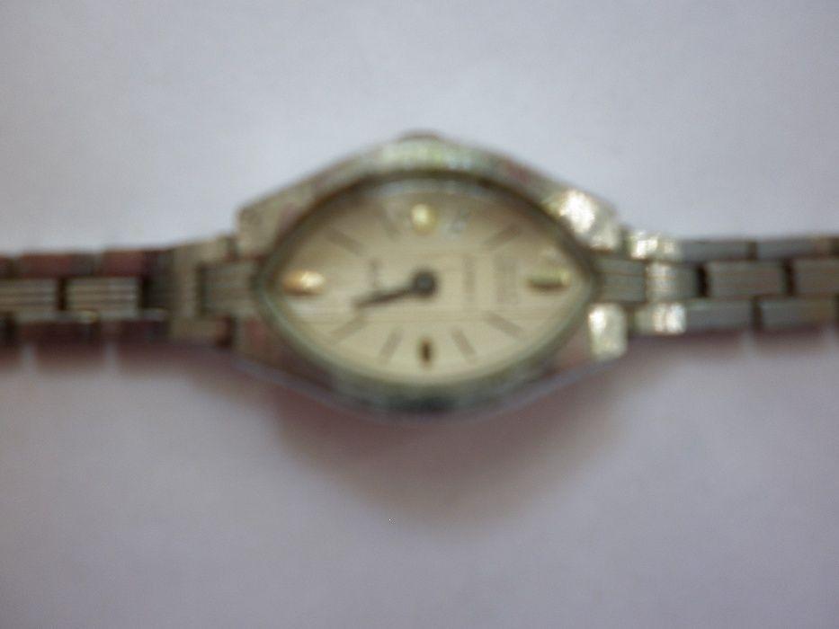 Часы продать заря наручные бу продам часы