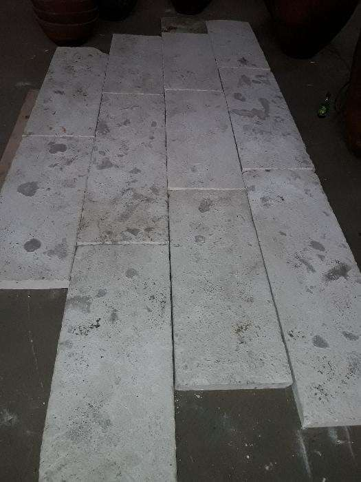Lages grandes em pedra acabamento antigo ( 5 cm de espessura )