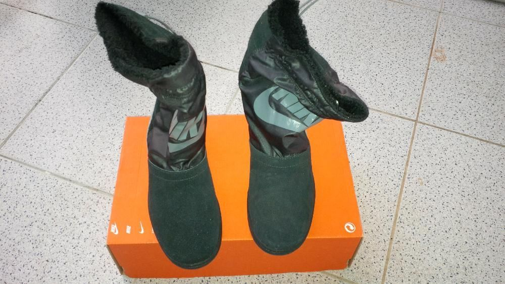 Botas Nike em Pele - NOVAS