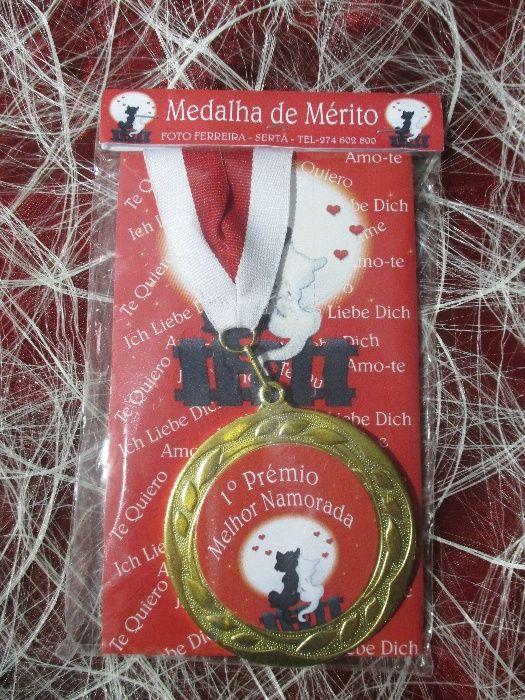 """Medalha de mérito """"melhor namorada"""""""