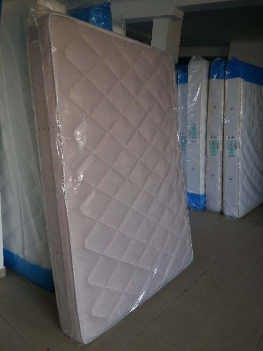 Colchão de molas novo de fábrica 195 cm x 140 cm
