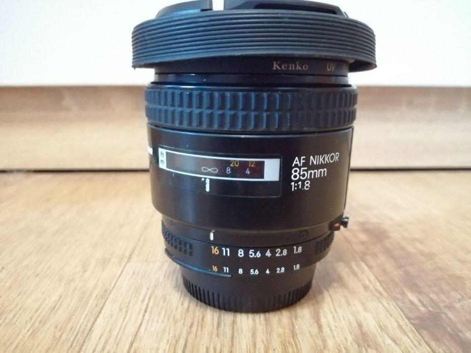Nikon 85 mm f1.8 (Лучше чем 35мм и 50мм, ТОРГ уместен) 85 1.8