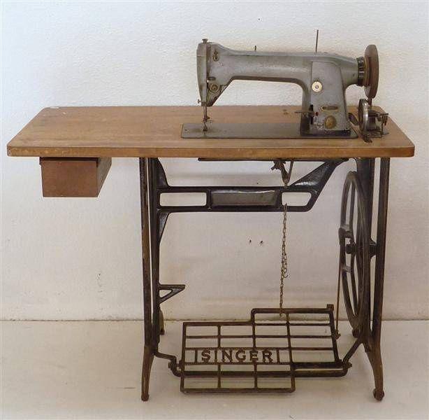 Máquina de Costura Antiga, Singer - 33Ik4 / Antique Sewing Machine