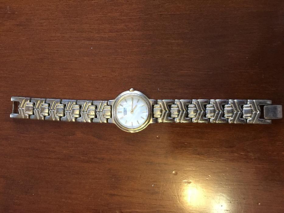 Vendo vários relógios
