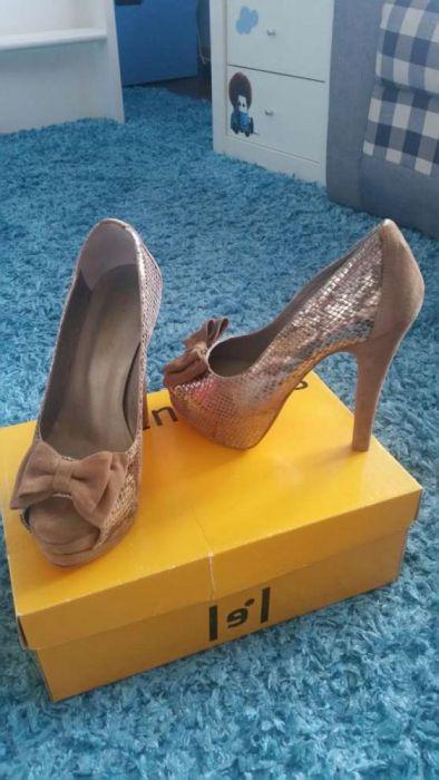 2270956a9 Sapatos cerimónia senhora tam. 37 Ermesinde • OLX Portugal