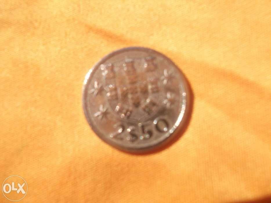 Moeda portuguesa 2$50 1963