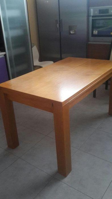 Mesas de madeira nova por medida