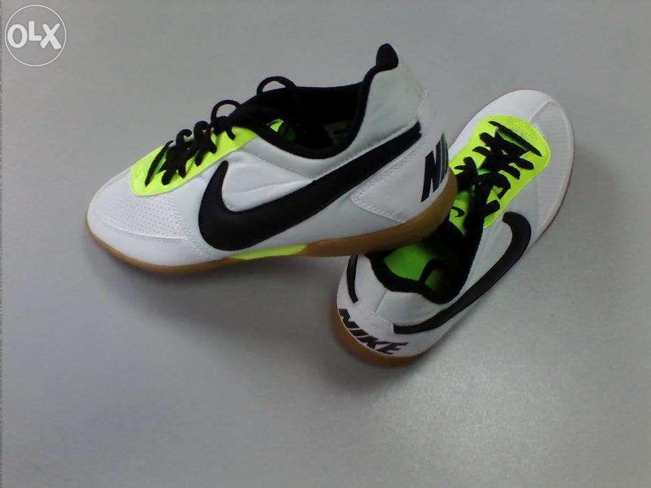 Nike futsal DAVINHO N.º 40 - novas e originais