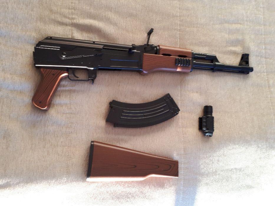 341723af508 Vendo replicas ou TROCO - Porto - Vendo duas replicas de armas de airsoft  ou TROCO