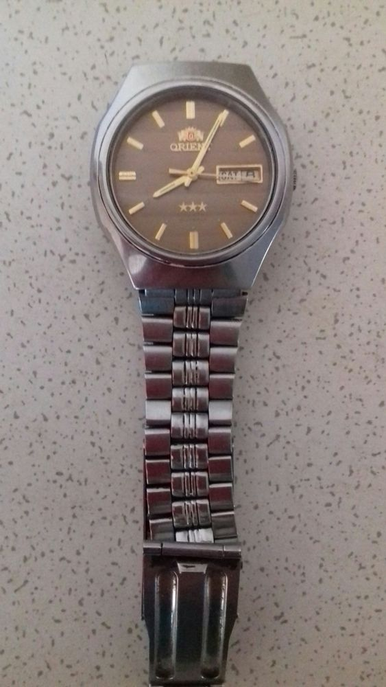 Винтажные часы продать часы в зенит швейцарские киеве продать
