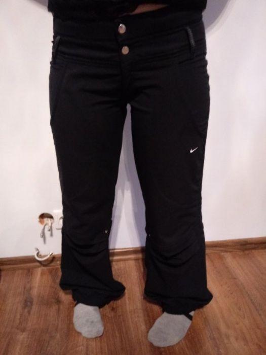 Spodnie dresowe damskie Nike Morąg • OLX.pl