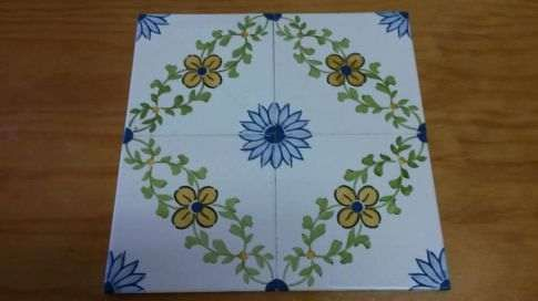 Azulejos antigos pintados à mão