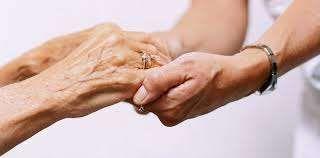 Empregada doméstica/geriatria