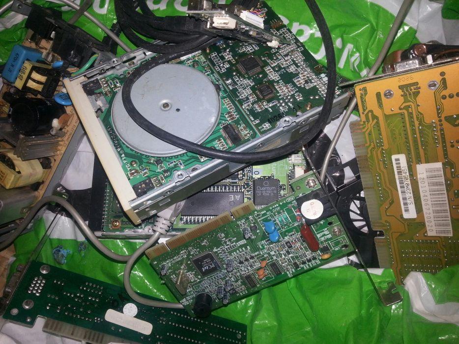 Hardware PC várias peças. A funcionar