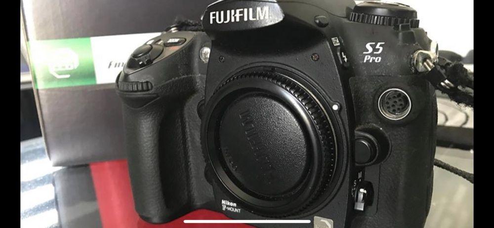 Fuji S5 Pro