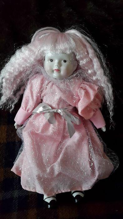 Boneca de Porcelana cor de rosa