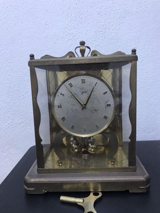 285cb2103f5 Relógio de mesa Alemão. Schatz 53 - London Coach.