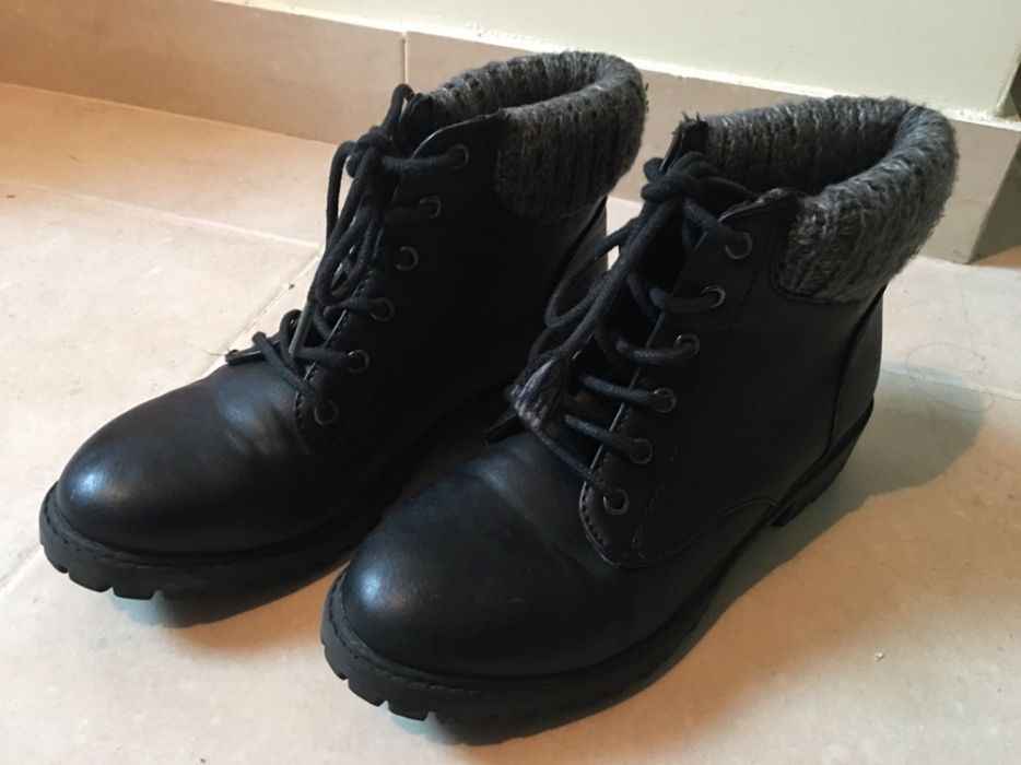 00b845453 Vendo botas 36 Compra, venda e troca de anúncios - encontre o melhor ...