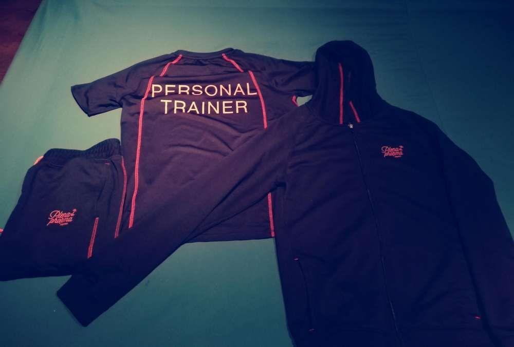 Fato de treino profissional de personal trainer