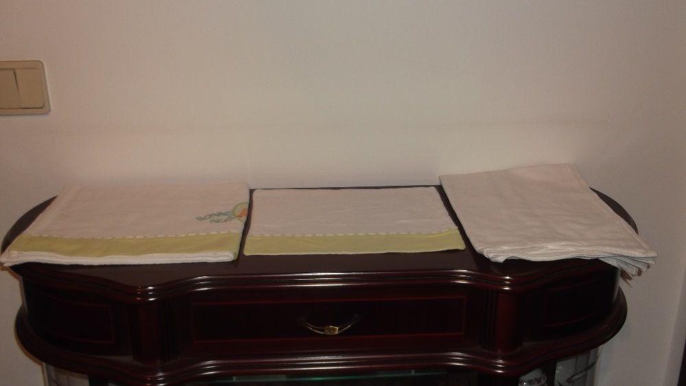 conjunto de lençóis alcofa e berço bebé