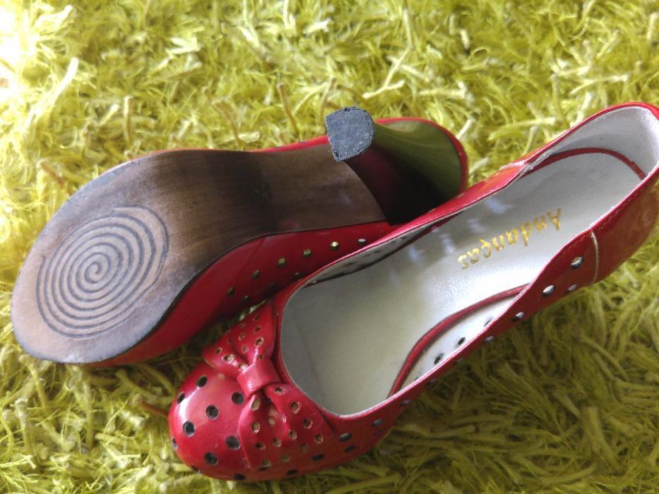 7e5bf6faa Sapatos vermelhos Compra, venda e troca de anúncios - os melhores ...