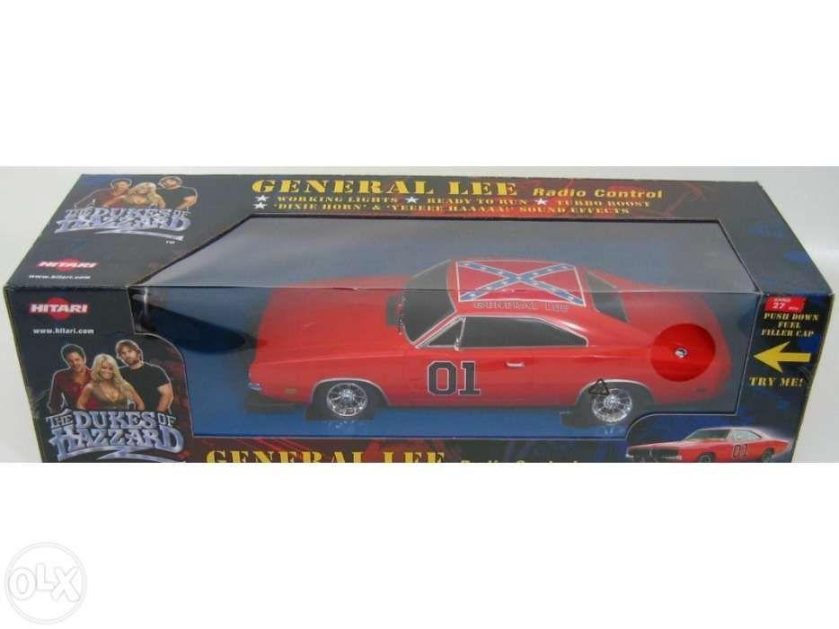 Dodge Charger General Lee com efeitos sonoros telecomandado