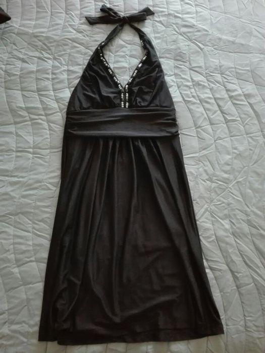 Vestido preto para cerimónia