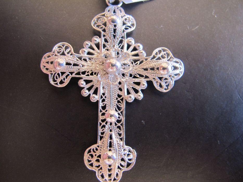 a1b5d733596 Crucifixo grande em prata toda trabalhada em filigrana