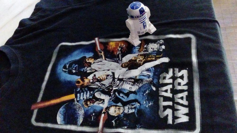 Colecção Stars Wars T-Shirt e boneco R2-D2 Hasbro