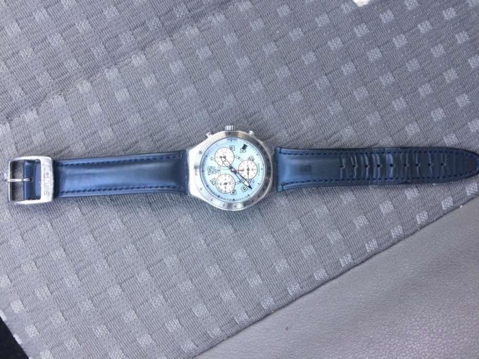 c26687faf96 2 Relógios usados m em excelente estado da swatch