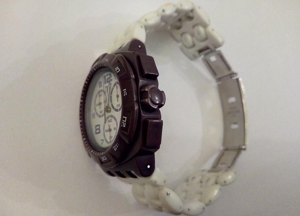 1a6a8db2c8c Relógio Swatch Chrono Plastic Purple Funk (SUIV400) Lisboa - imagem 6
