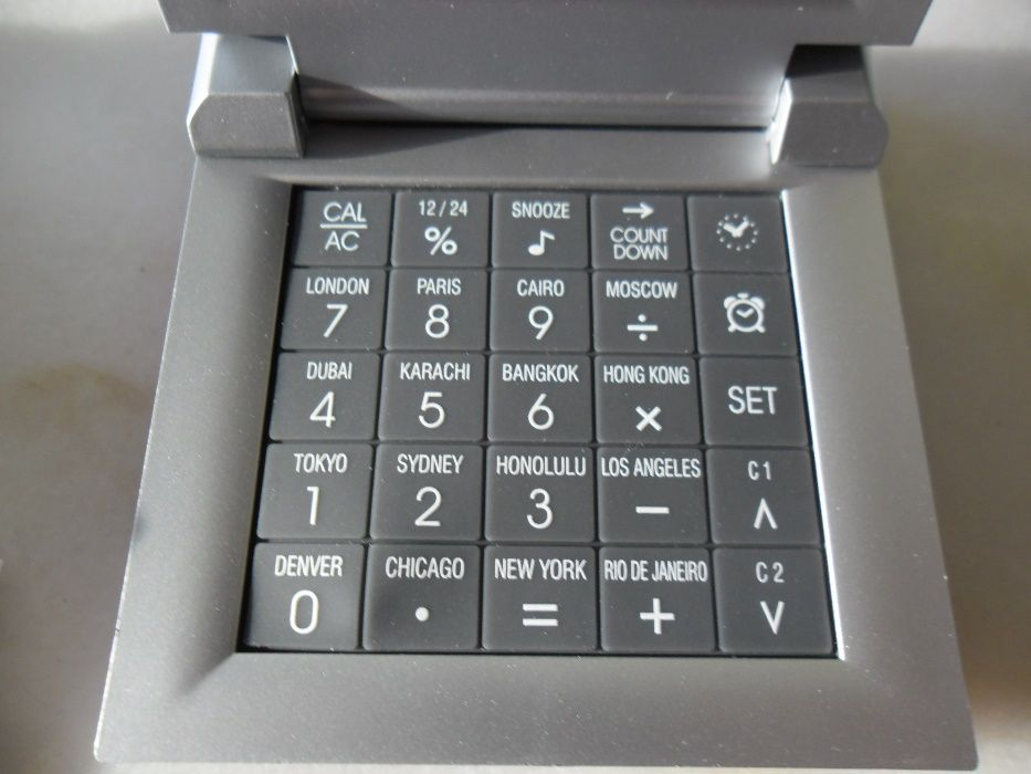 5fc4c093c48 Máquina calcular+relógio+fuso horário internacional 16cidades