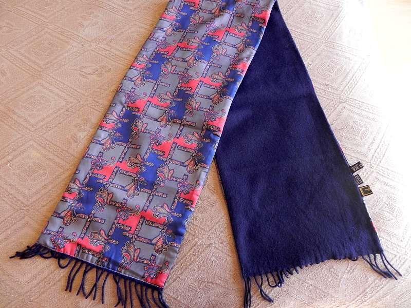 da34059578be Echarpe da marca Fendi, de lã e seda para homem, vintage. Lourinhã • OLX  Portugal